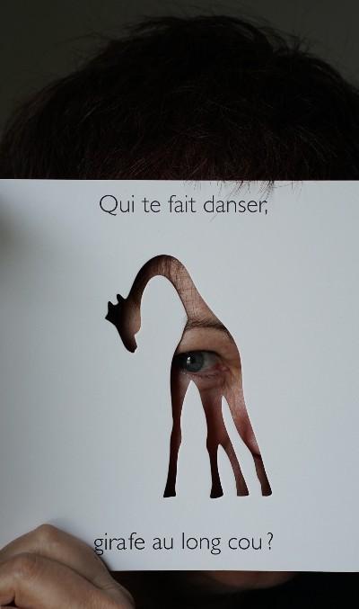 Jeux de regards, jeux de mains par Martine Perrin |